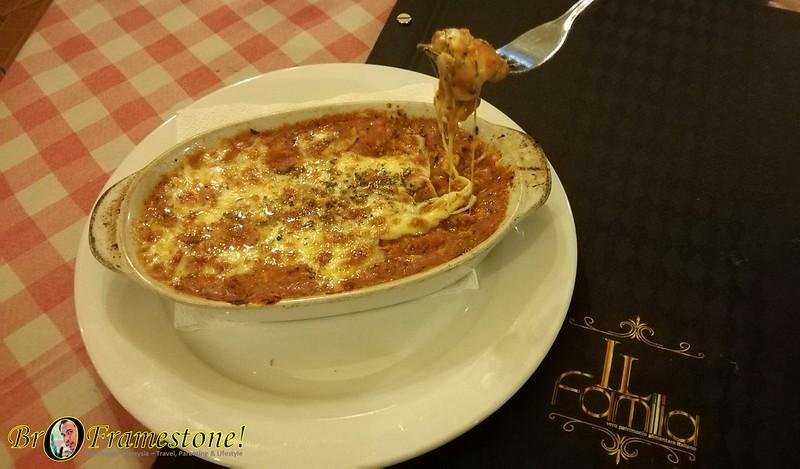 IL Familia Italian Restaurant Menu