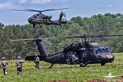 US ARMY UH-60 MEDEVAC_AH3V8563