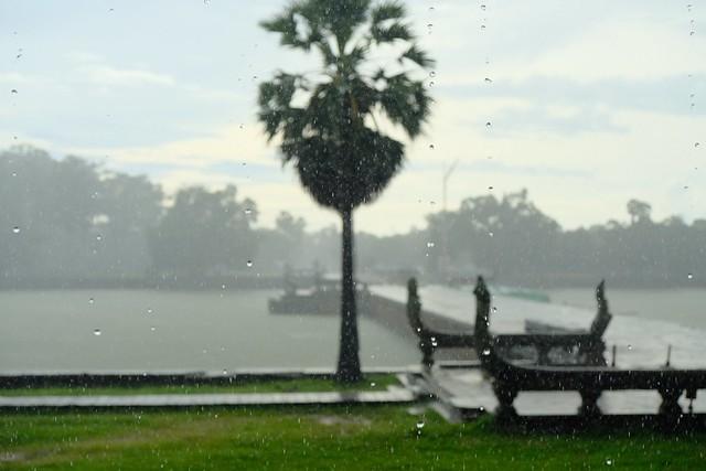 Rain in Cambodia, Fujifilm X-T20, XF18-55mmF2.8-4 R LM OIS