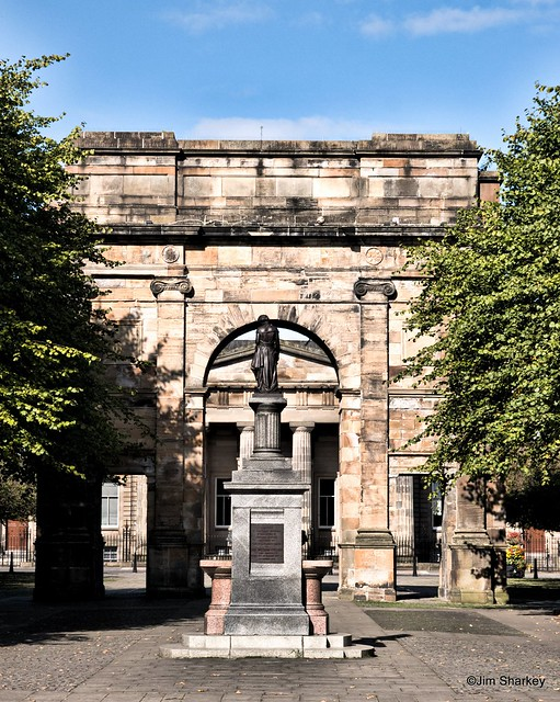 Collins fountain and Mclennan arch Glasgow