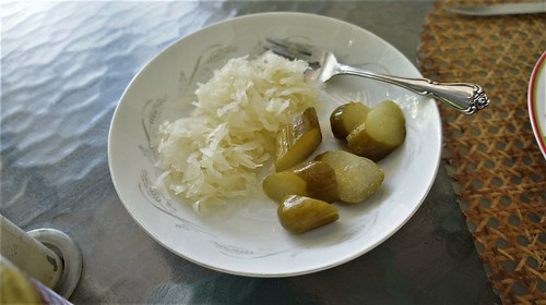 Batampte Sour Kraut & Garlic Dill Pickles