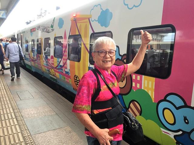 搭乘普悠瑪火車 (13)