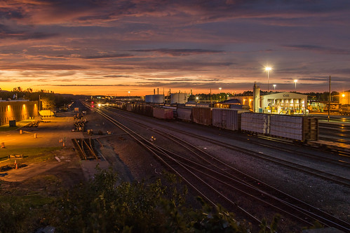 unitedstates ny railroad csx night sunset selkirkyard railyard canon 7dmarkii