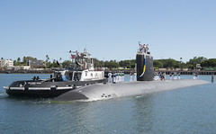 USS Columbus (SSN 762) approaches the piers at Joint Base Pearl Harbor-Hickam, Sept. 1. (U.S. Navy/MC2 Shaun Griffin)