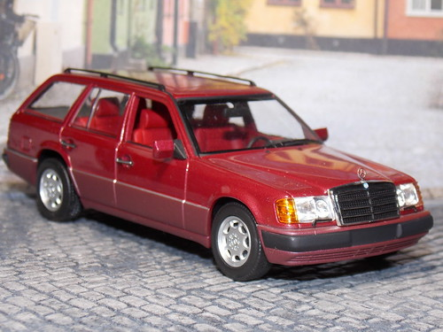 Mercedes Benz 320 TE - Minichamps