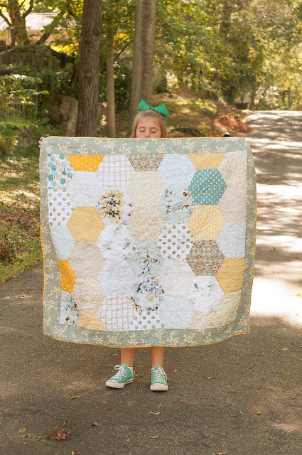 A Honeycomb Quilt for My Baby Bee | : honeycomb quilt - Adamdwight.com
