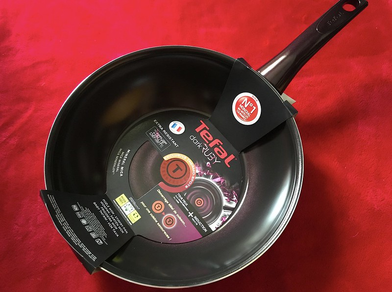 Tefal Dark Ruby Wok Pan