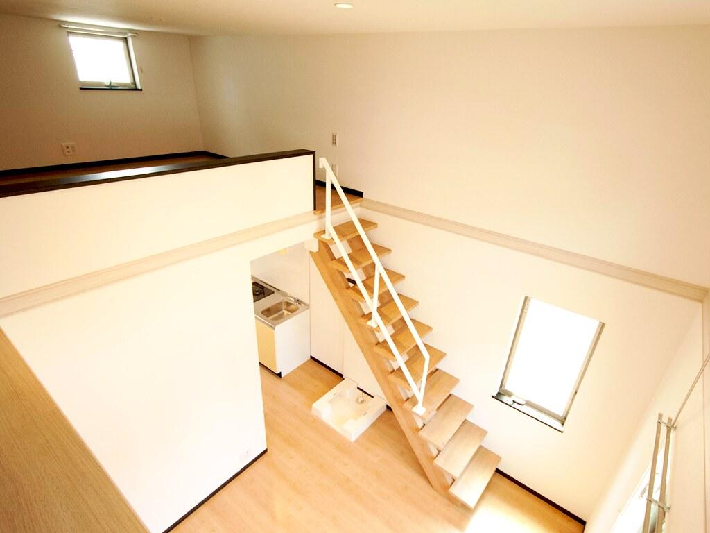 居室からロフトに上がる階段