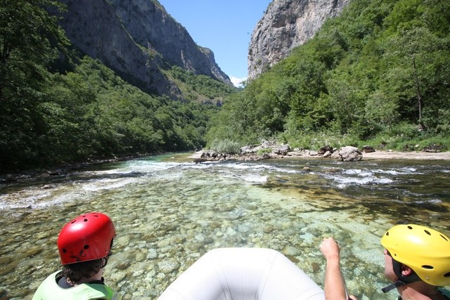 Exciting advanture with friends on Neretva river