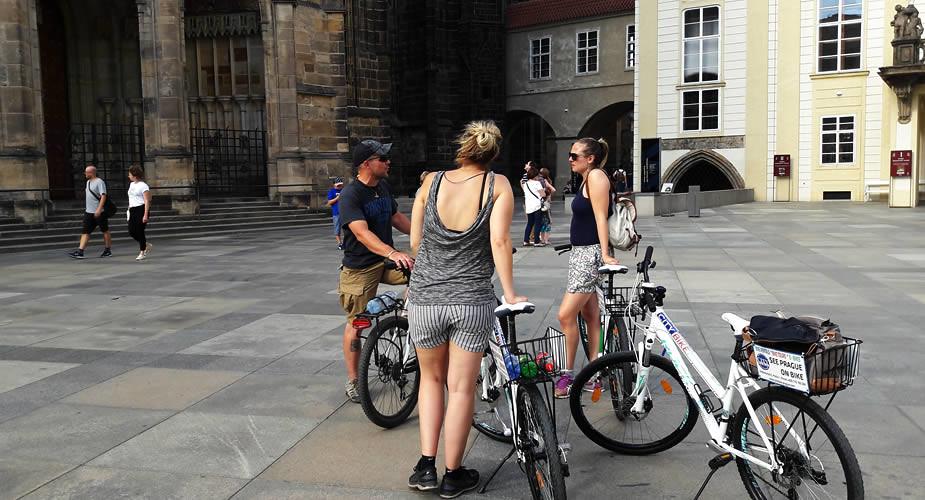 Fietsen in Praag | Mooistestedentrips.nl