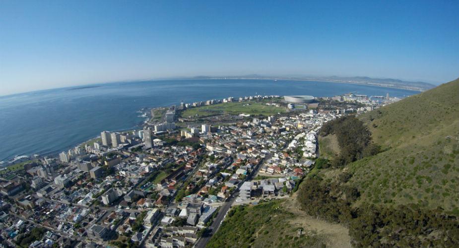 Bezoek Kaapstad, Zuid-Afrika. Paragliden vanaf Signal Hill | Mooistestedentrips.nl