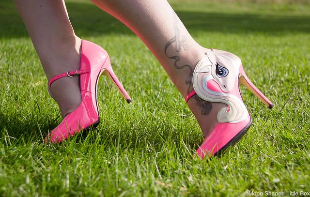 Minna Parikka Celestia unicorn heels neonpink finnish fashion styleblogger fashionblogger fashion style tyyli muoti bloggaaja blogi