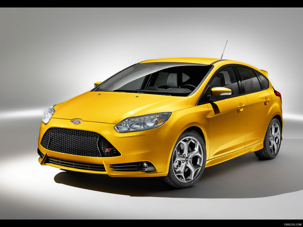2013_ford_focus_st_14_1600x1200