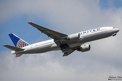 United Airlines --- Boeing 777-200ER --- N784UA