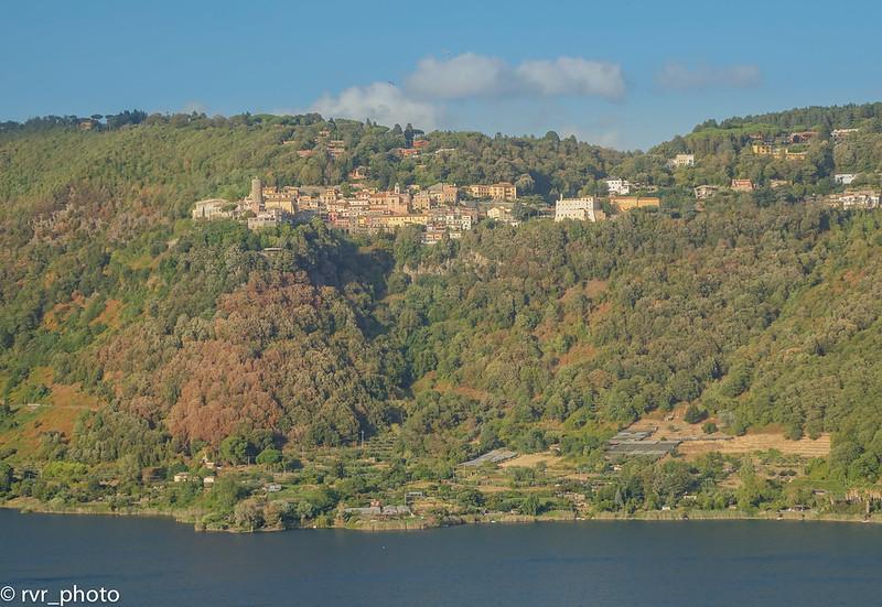 Panorámica de Nemi desde Genzano di Roma