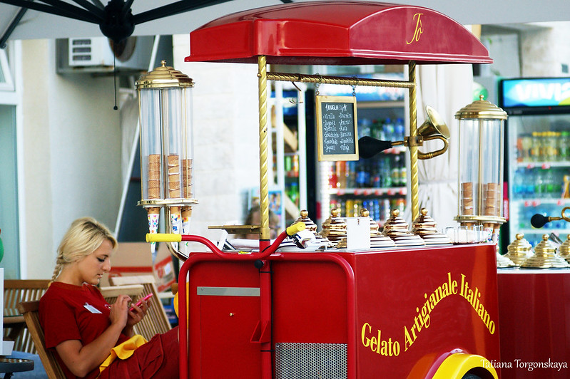 Продажа мороженого на набережной