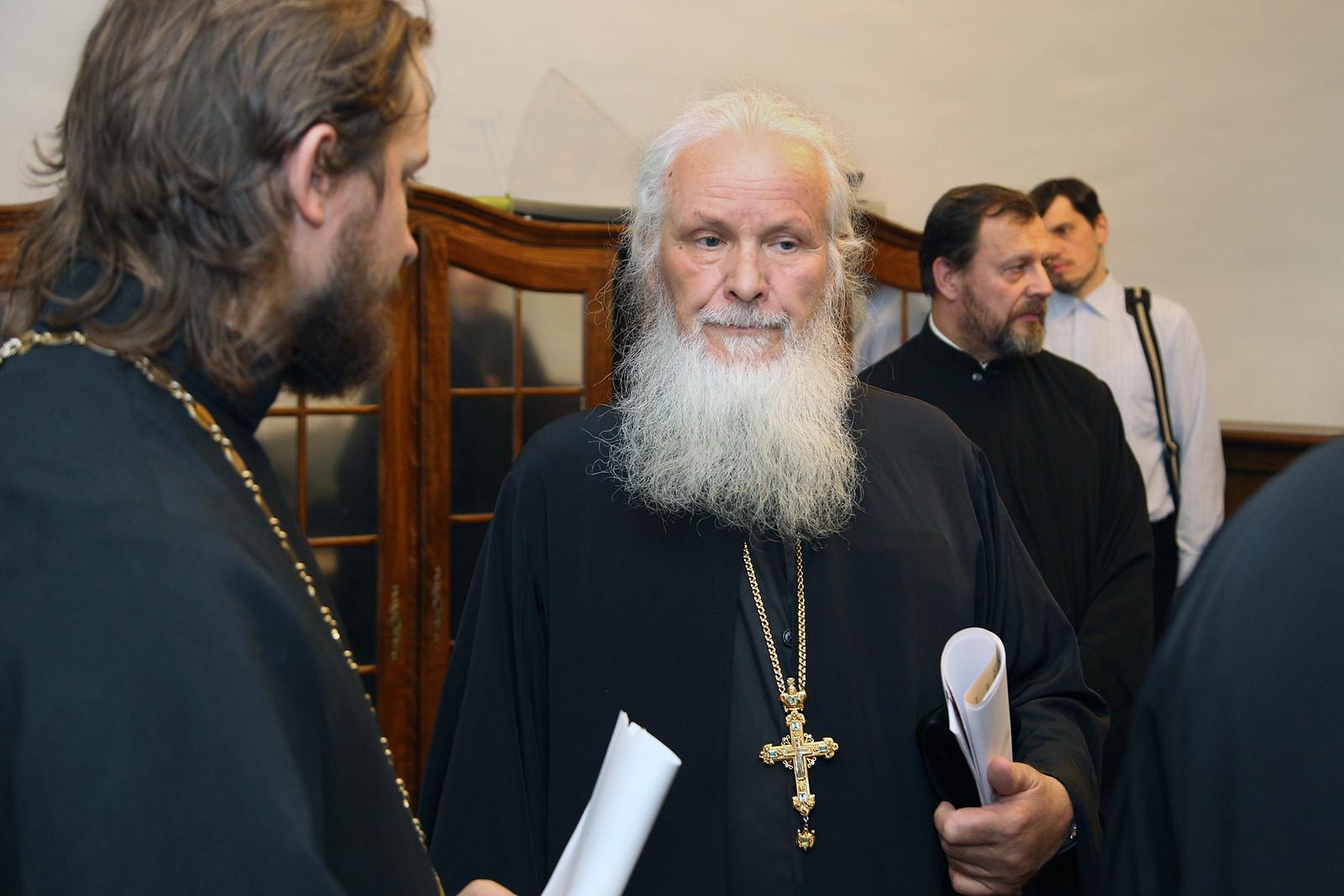 Кандидаты к рукоположению в священный сан прошли собеседования на заседаниях Советов викариатств