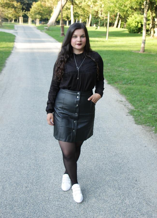 Look d'automne noir et blanc avec Blanche Porte