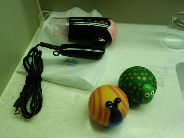 洗澡玩具和吹風機@捷絲旅高雄中正館HAPE主題家庭遊戲房