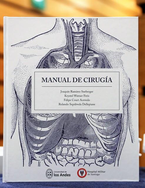 Egresados y docentes de Medicina UANDES presentaron libro