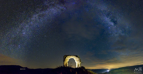Milky Way over Areny de Noguera Castle_Agosto 2017