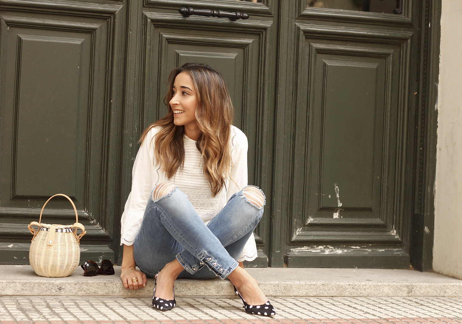 polka dot kitten heels white blouse ripped jeans outfit girl style fashion11