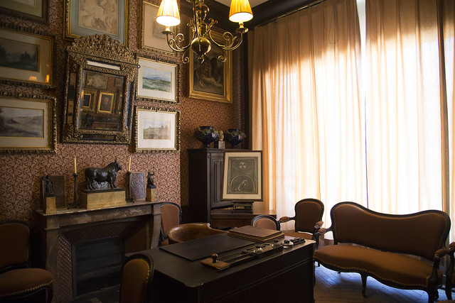 Moreau's Desk