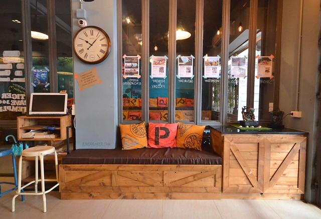pop-in hostel krabi thailand common lounge