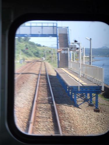北舟岡駅、海が近い