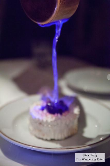 Flambée à l'eau de vie for the Omelette Norvégienne