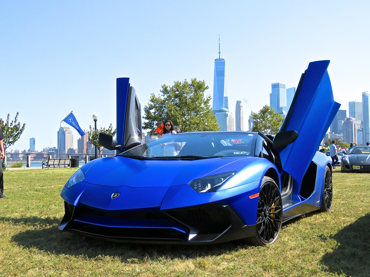 Lamborghini Aventador SV Roadster Blue