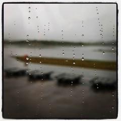 Skönt att åka ifrån regnet! Om några timmar gnäller jag förmodligen över att det är varmt... #semestär
