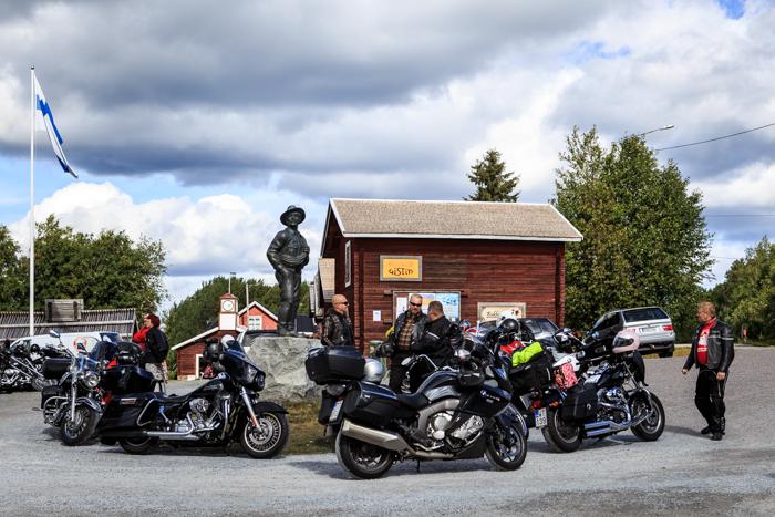 motoristit koulukiusaamista vastaan mkkv lappi lapland tour 2017 kukkolankoski moottoripyörä biker intruder harley davidson (1 of 1)