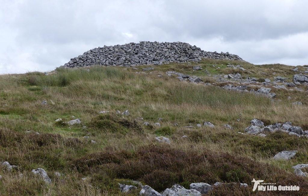 P1100597 - Garn-Fawr Cairn