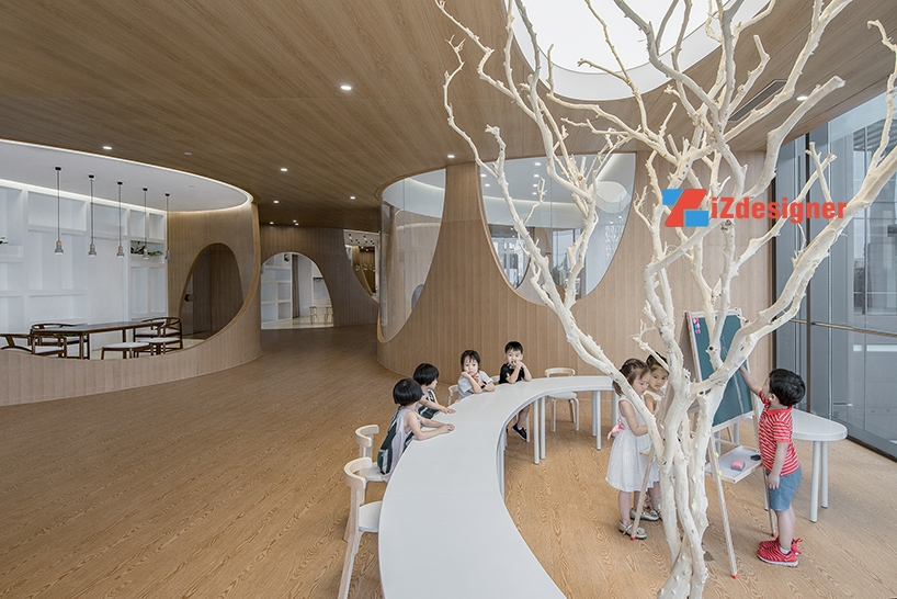 Trường nghệ thuật trẻ em lấy cảm hứng từ những ngọn núi tại Bắc Kinh