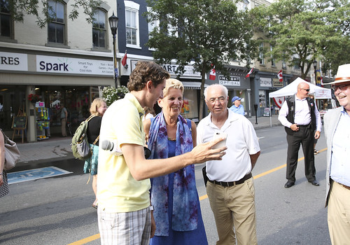 IMG_8376 Premier Kathleen Wynne and MPP Lou Rinaldi met with residents and business owners at Cobourg's Sidewalk Sale.