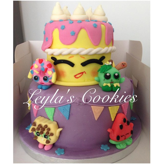Cake by Leyla's Cookies