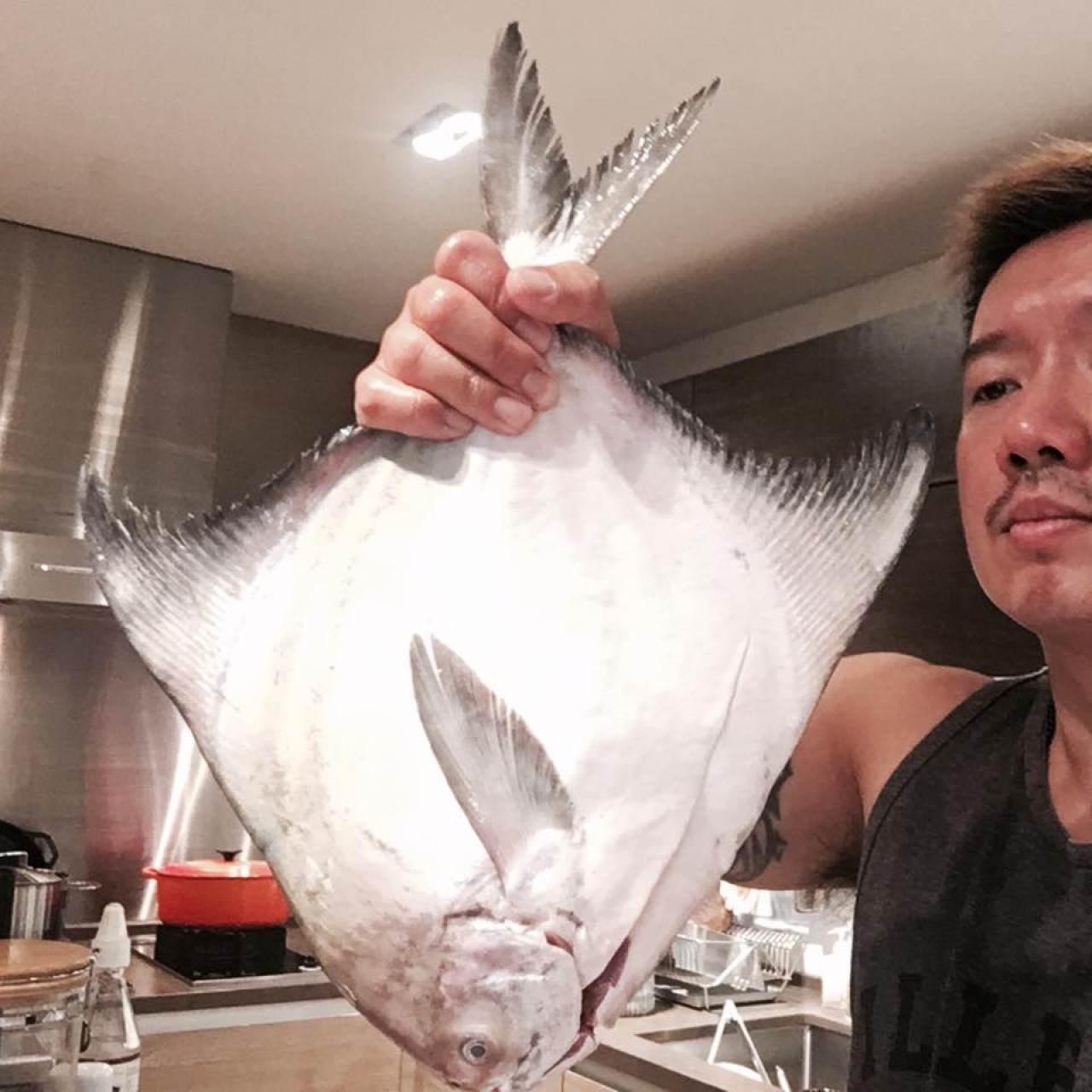 阿澤不止愛吃,還愛親自下廚。(杜汶澤Facebook圖片)