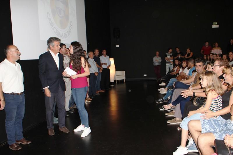 Câmara Municipal apoiou 120 jovens com bolsas de estudo e auxílios económicos (2)