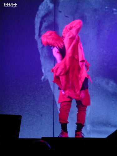 G-Dragon-MOTTE-in-Berlin-2017-09-30-02