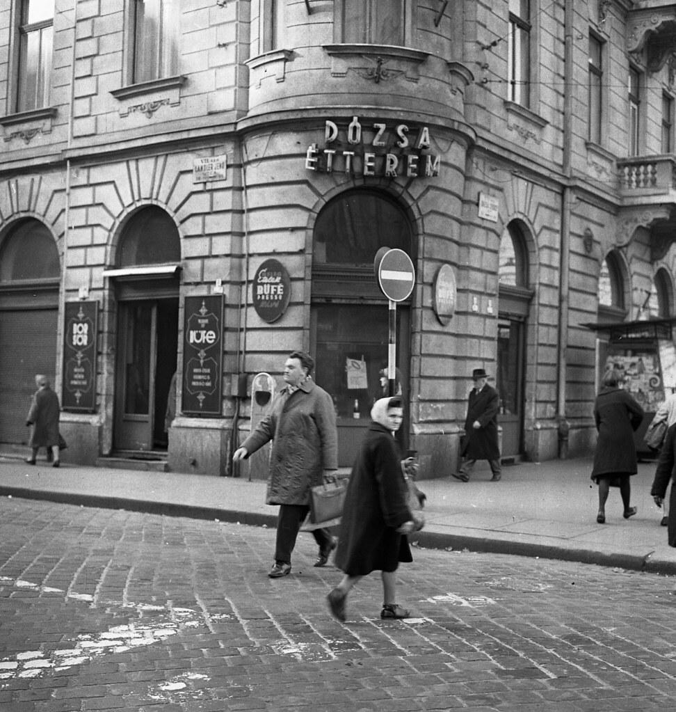 István (Landler Jenő) utca - Dózsa György út sarok , 1966