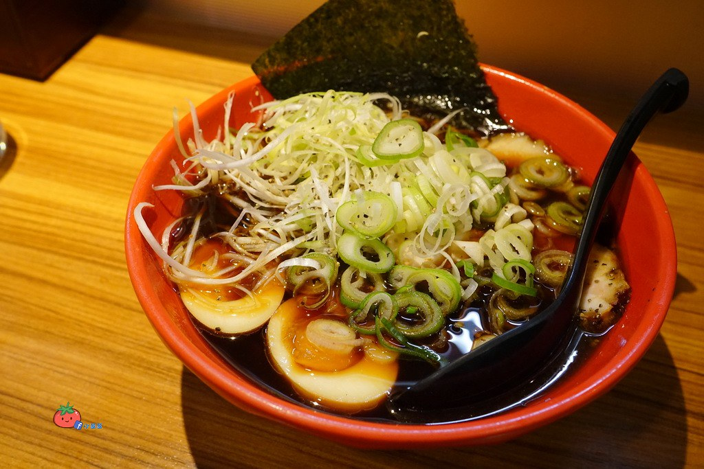 日本富山黑拉麵Ramen Iroha