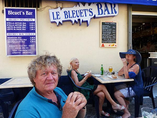 le bleuet's bar