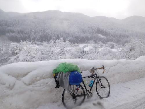 アッラーヤに雪を見せてあげました