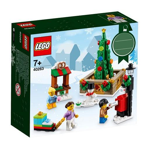 40263 Christmas Town Square 1