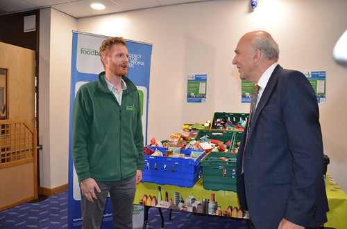 Vince Cable at food bank Sept 17 (9)