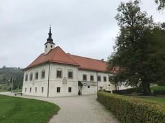 Schloss Jarenina - Dveri Pax