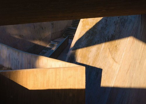 joséantoniomartínezlapeña elíastorrestur escalators lagranja toledo spain castillalamancha ximomichavila abstract geometric concrete architecture archdaily archiref archidose stairs shadow sunset warm
