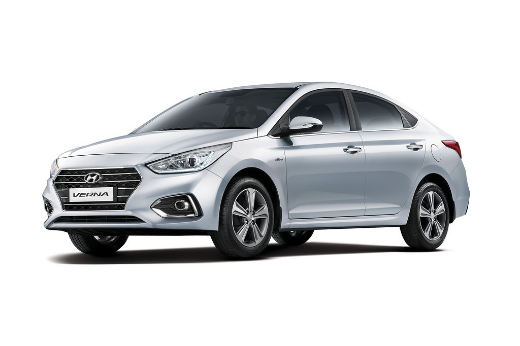 2017-Hyundai-Verna-Front-Three-Quarter