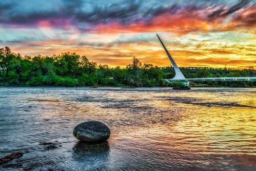sundialbridge redding calatrava bridge river sacramentoriver california sunrise